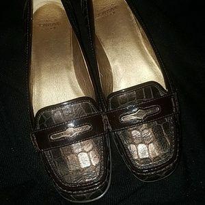 Beautiful joan&David leather penny loafers  euc